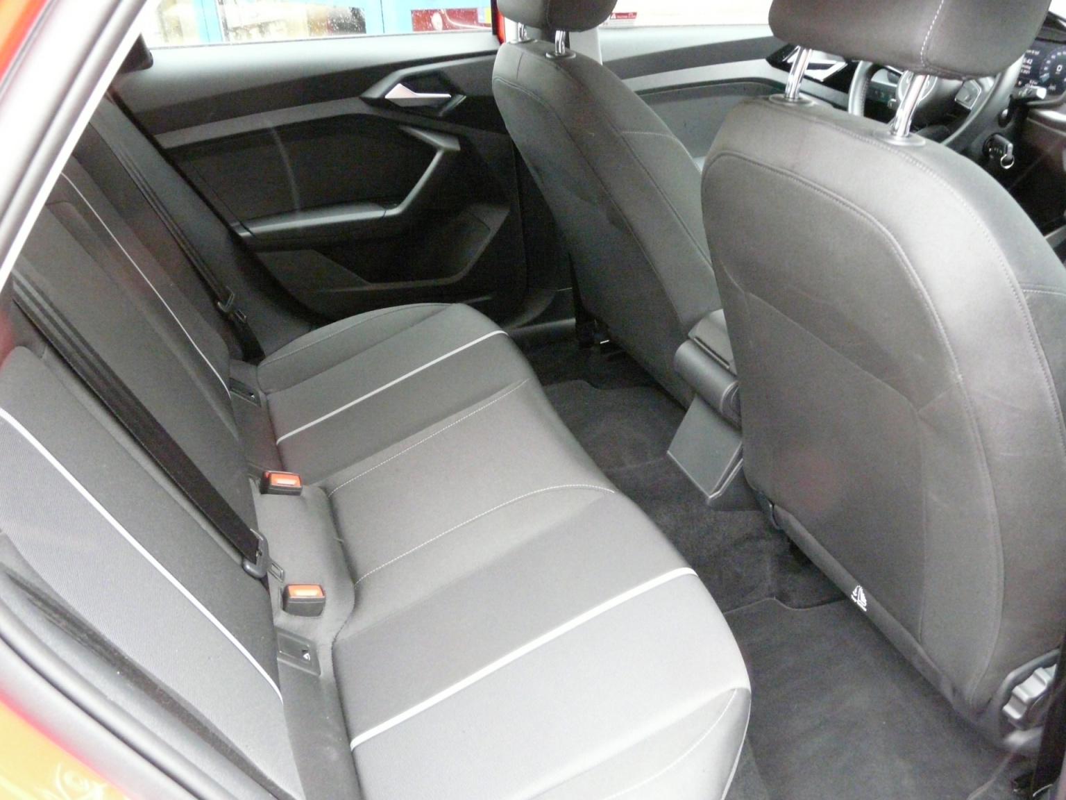 Audi-A1-36