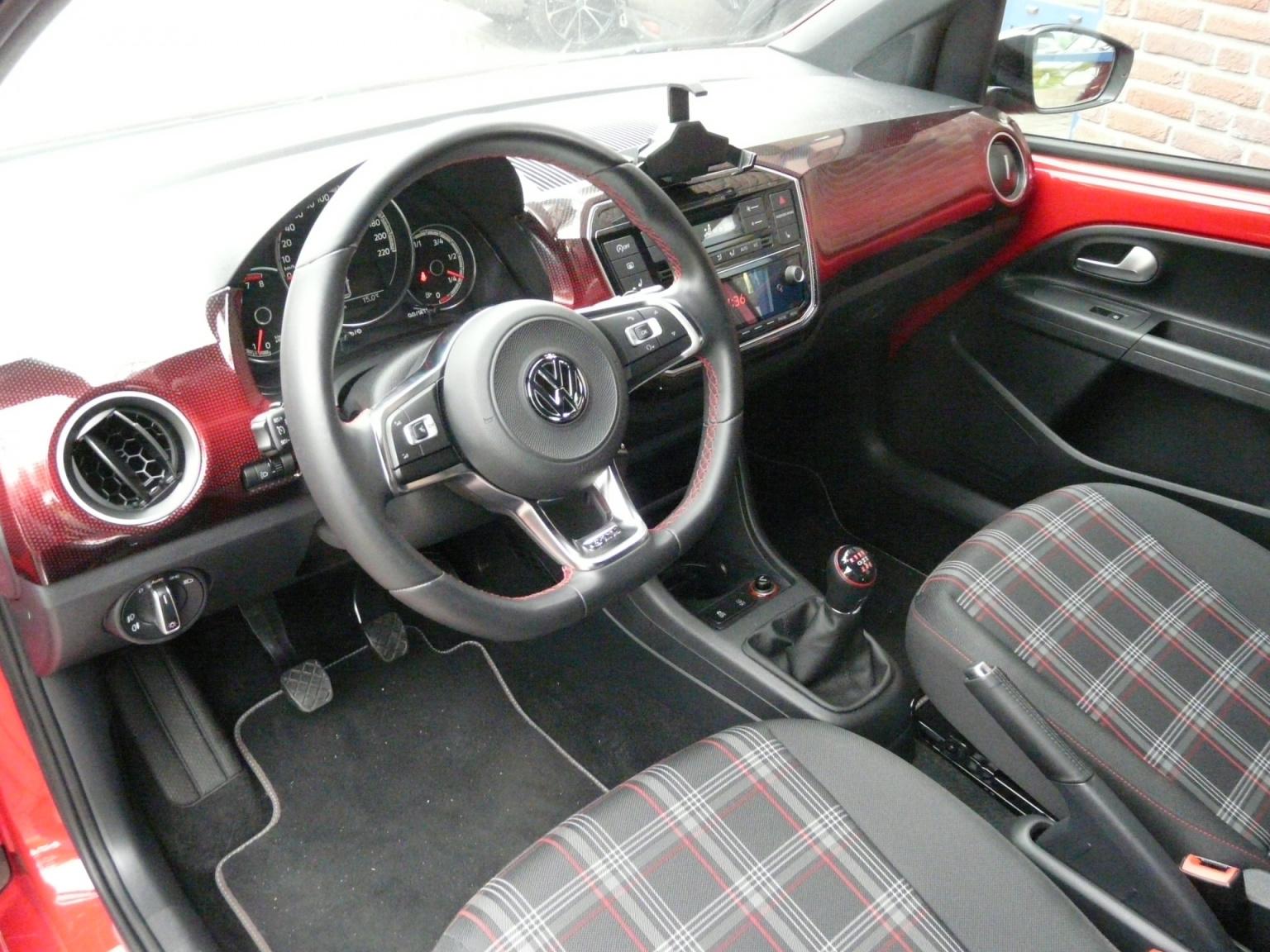 Volkswagen-up!-42