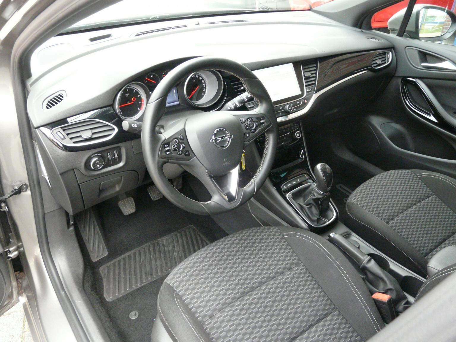 Opel-Astra-16