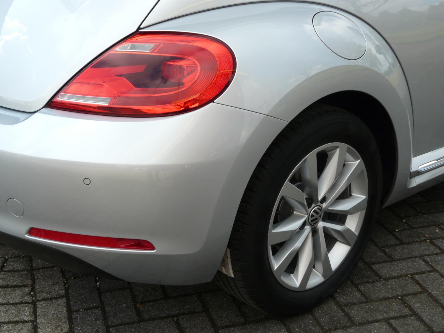 Volkswagen-Beetle-13