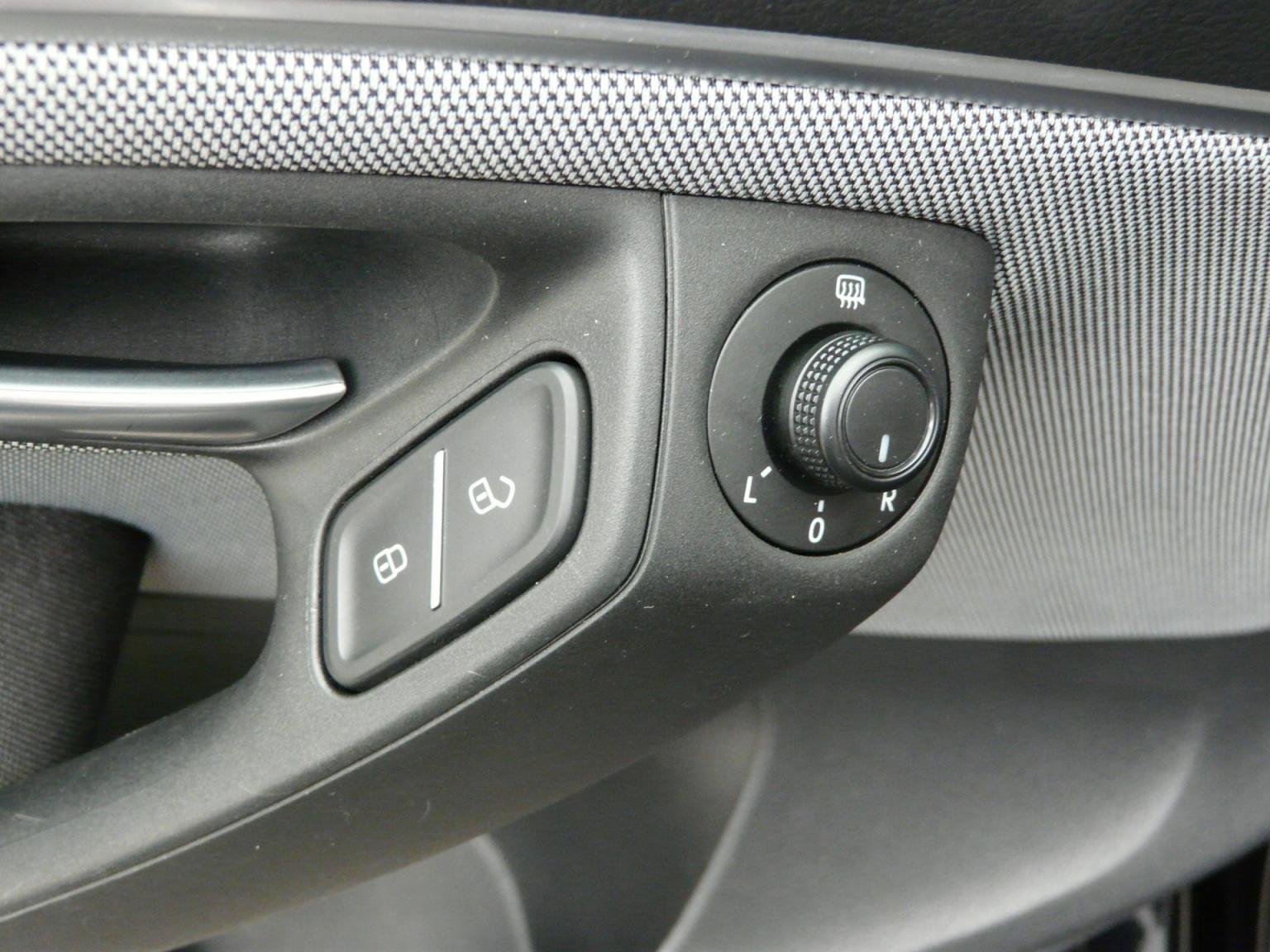 Volkswagen-Polo-24