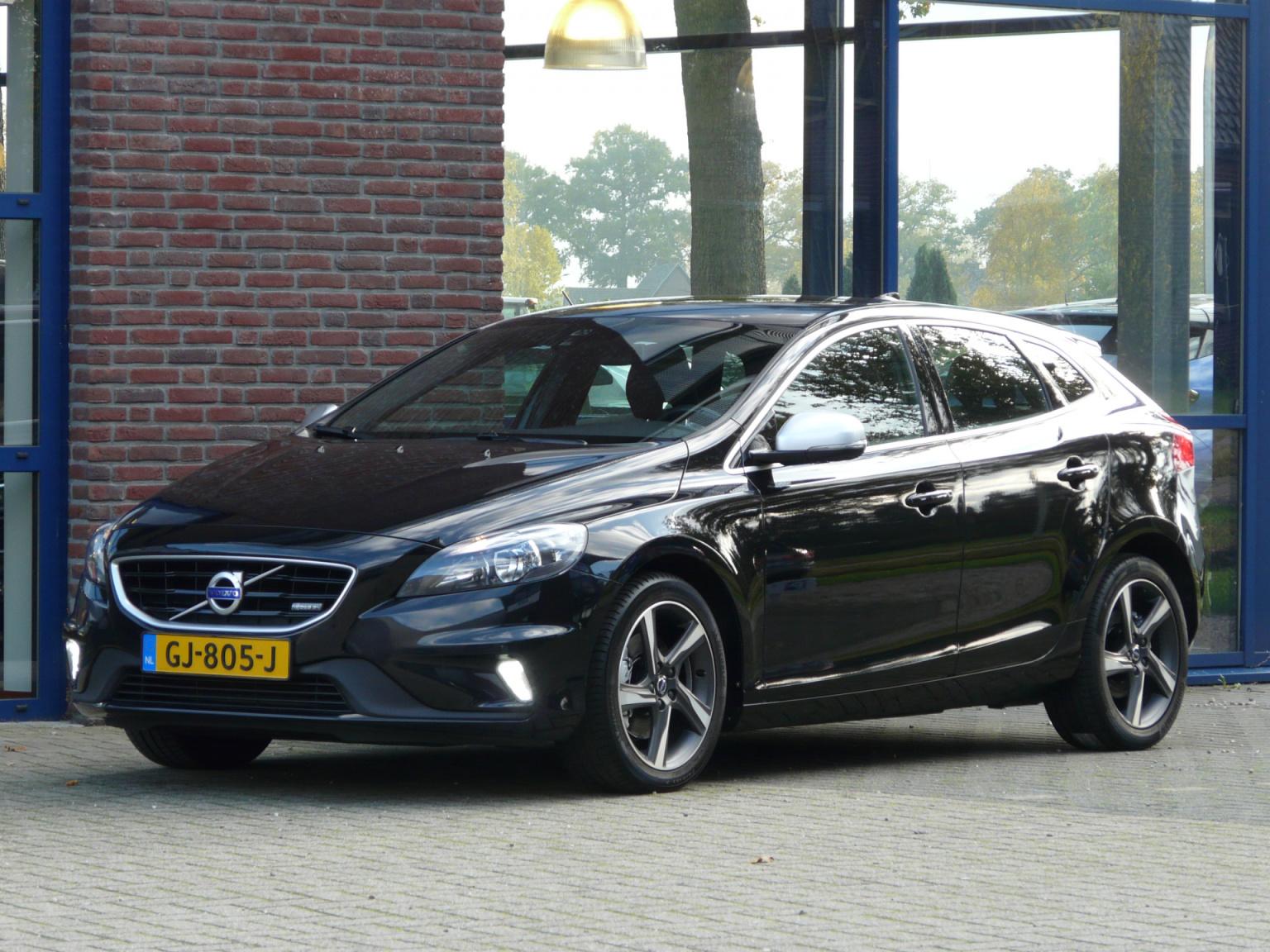 Volvo-V40-8