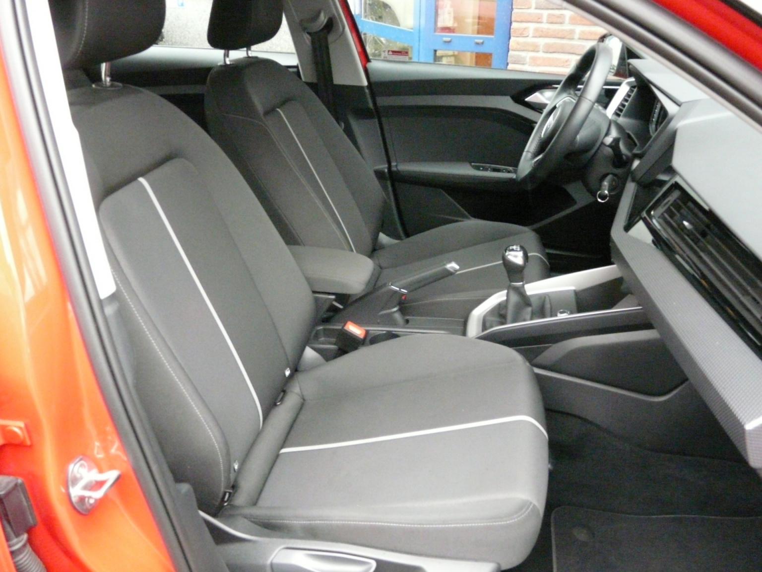 Audi-A1-38